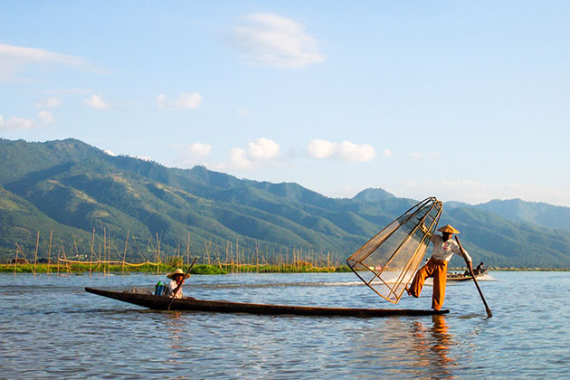 Inle Lake - top 4 most popular tourist attractions in Myanmar