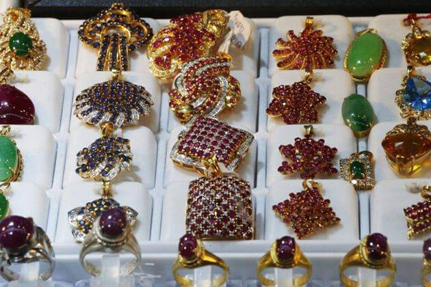 Jewelry - recommended myanmar souvenirs to buy