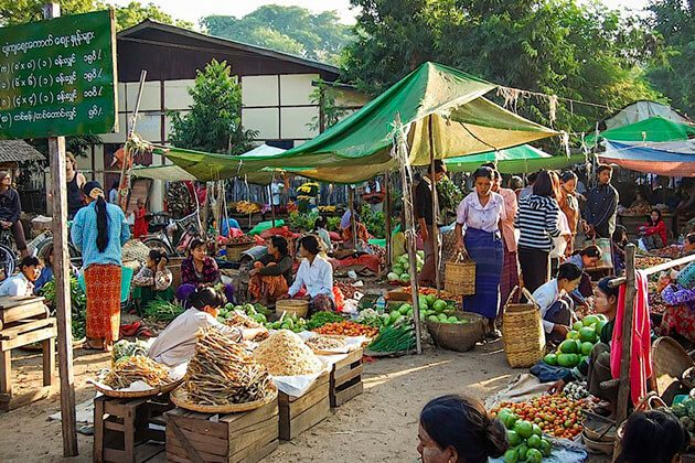 the authentic Nyaung U Market in Bagan