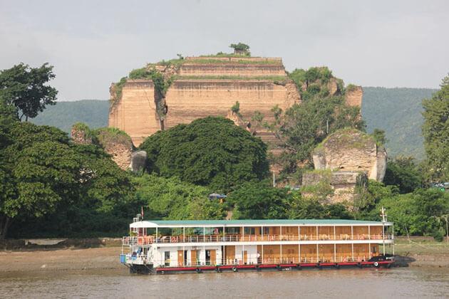 RV Kha Byoo Pandaw Cruise in Mingun