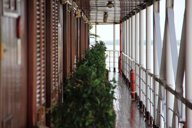 RV Orient Pandaw balcony