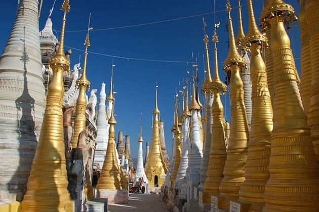 the golden stupas in Shwe Indein Temple