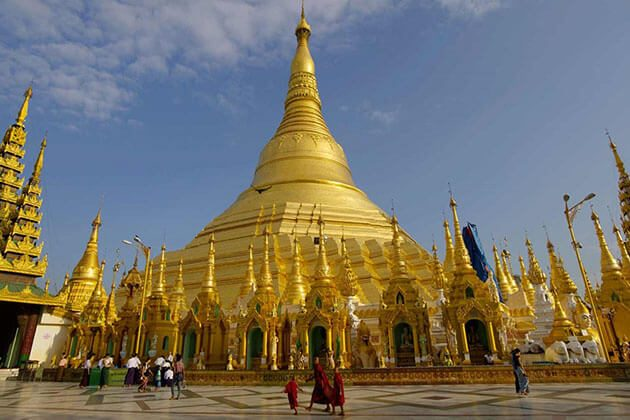Shwedagon Pagoda - the highlight of yangon