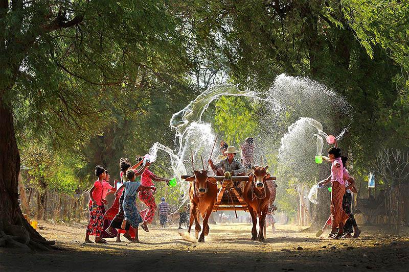Thingyan Myanmar Water Festival - Highlight of Burmese New Year