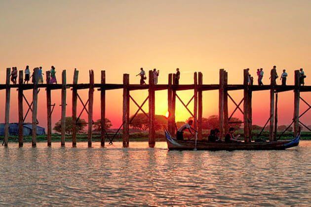 U Bein Bridge sunset time