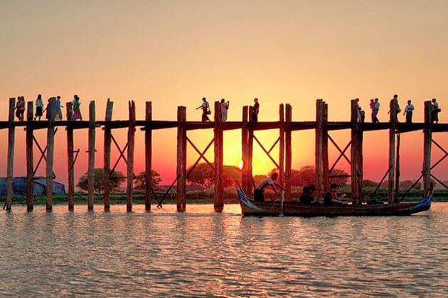 U Bein Bridge sunset time