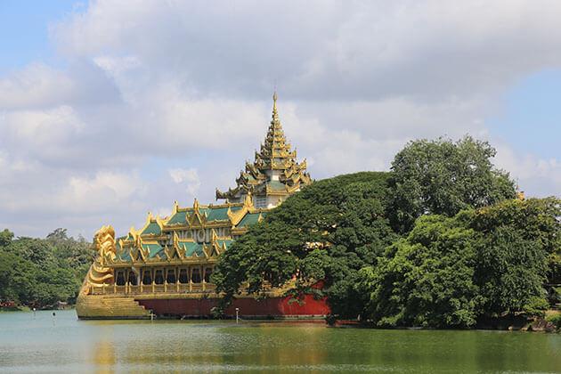 Yangon - best tourist attractions in Myanmar