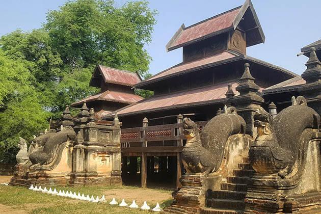 Yoke Saung Kaung Monastery,