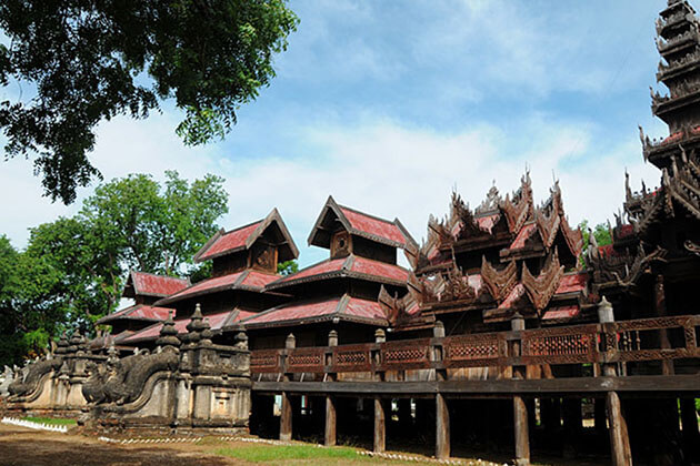 Yoke Sone Kyaung Monastery - attraction for river cruise trip