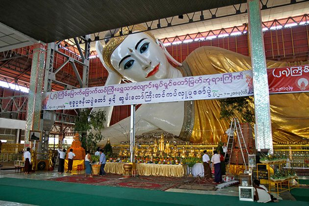 chauk htat gyi pagoda - one of the most sacred pagoda to visit in Myanmar river cruise