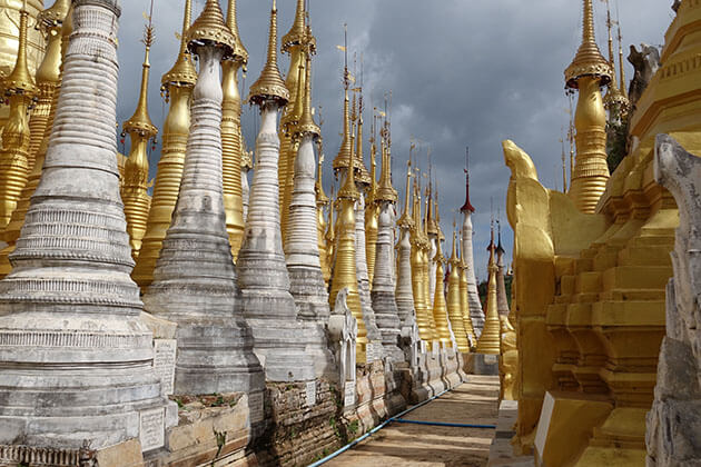countless stupas in Shwe Indein Pagoda