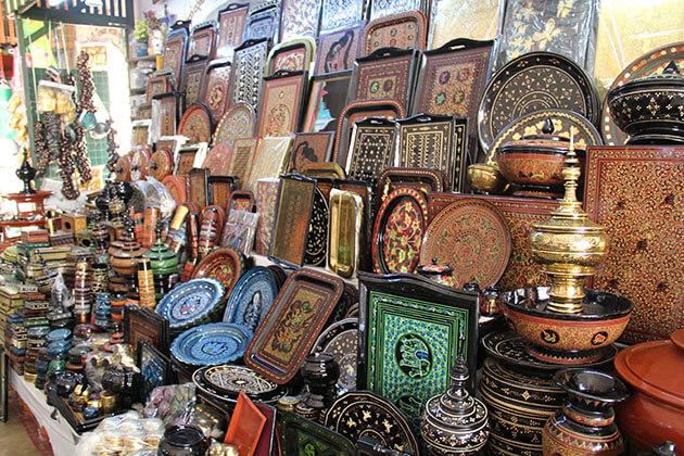 lacquerware - unique Myanmar souvenirs