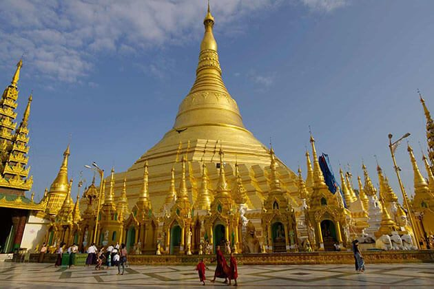 shwedagon pagoda - best attraction for river cruise burma
