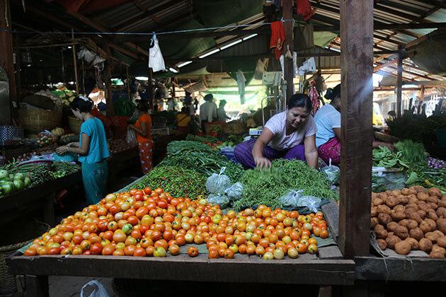 the fresh local vegetables Nyaung U market